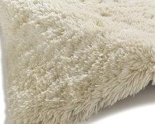 Prachtig-hoogpolig-vloerkleed-Poolstar-creme-PL95