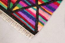 Handgemaakt-vloerkleed-Loreal-kleur-Zwart